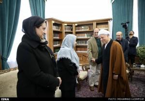 دیدار بازیگران تئاتر و سینما با رئیس مجمع تشخیص
