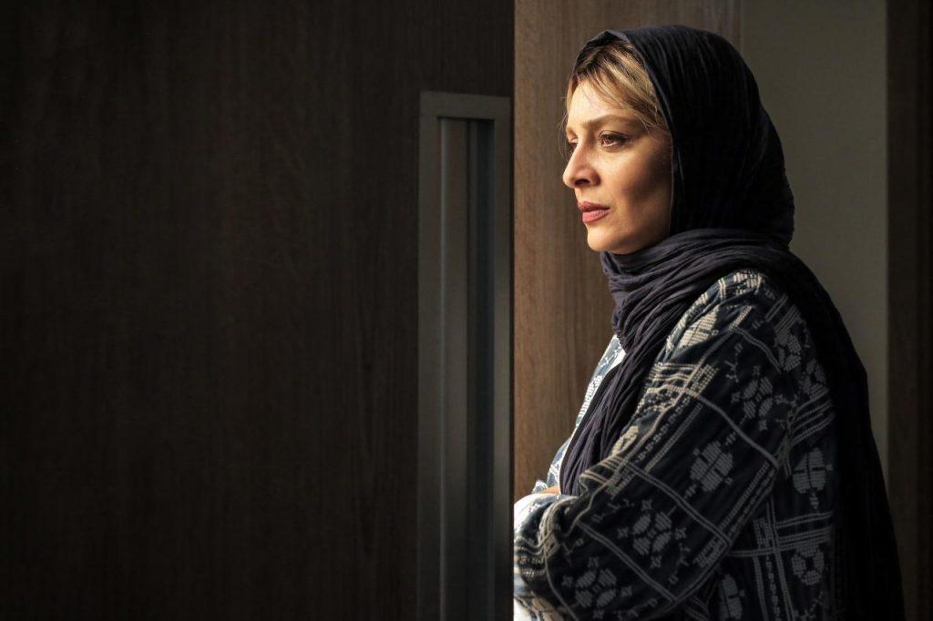 ساره بیات لابی