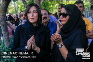 مهتاب کرامتی در مراسم تشییع پیکر آقای بازیگر «عزت الله انتظامی»