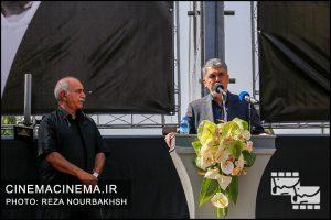 عباس صالحی در مراسم تشییع پیکر آقای بازیگر «عزت الله انتظامی»