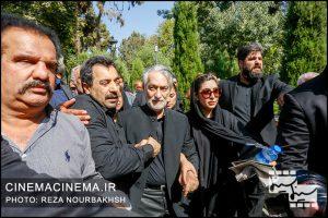 مجید انتظامی در مراسم تشییع پیکر آقای بازیگر «عزت الله انتظامی»