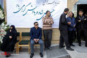 پرویز مظلومی در مراسم تشییع پیکر بهرام شفیع