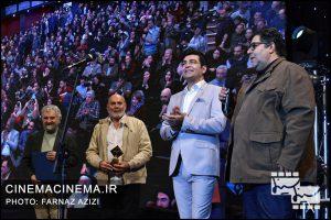 از راست فرهاد اصلانی، فرزاد حسنی و جمشید هاشم در دوازدهمین جشن منتقدان و نویسندگان سینما