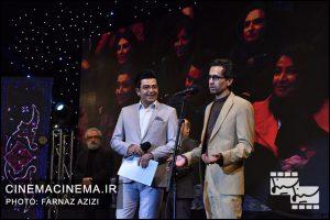 از راست مهدی باقر بیگی، فرزاد حسنی و جواد طوسی در دوازدهمین جشن منتقدان و نویسندگان سینما