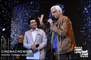 از راست کیومرث پوراحمد، فرزاد حسنی و جواد طوسی در دوازدهمین جشن منتقدان و نویسندگان سینما