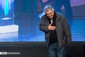محمود عزیز در اختتامیه جشنواره تئاتر مقاومت