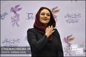 شبنم مقدمی در فرش قرمز افتتاحیه فیلم فجر