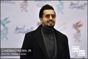 مهرداد صدیقیان در فرش قرمز افتتاحیه فیلم فجر
