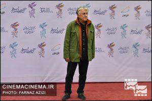 رضا کیانیان در فرش قرمز افتتاحیه فیلم فجر