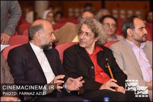 از راست نادر مشایخی و محمدمهدی حیدریان در آیین نکوداشت جمشید مشایخی