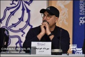 مهرداد خوشبخت در نشست خبری عوامل فیلم «آبادان یازده ۶۰» در سی و هشتمین جشنواره فیلم فجر