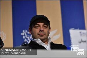 سام قریبیان  در نشست خبری عوامل فیلم «خروج» در هفتمین روز سی و هشتمین جشنواره فیلم فجر