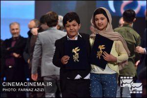 عوامل فیلم خورشید در آیین اختتامیه سی و هشتمین جشنواره فیلم فجر