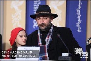 هدایت هاشمی در نشست خبری عوامل فیلم «پدران» در هشتمین روز سی و هشتمین جشنواره فیلم فجر