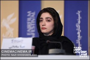مینا ساداتی در نشست خبری عوامل فیلم «درخت گردو» در سی و هشتمین جشنواره فیلم فجر