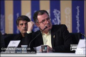 محمود گبرلو در نشست خبری عوامل فیلم «کشتارگاه» در سی و هشتمین جشنواره فیلم فجر