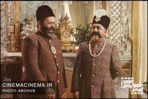 محمدعلی کشاورز در کنار عزت الله انتظامی در فیلم کمالالملک / عکاس عزیز ساعتی