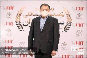 علیرضا تابش، مدیرعامل بنیاد رودکی در فرش قرمز آیین تجلیل از افتخارآفرینان سینمای ایران در عرصه بینالملل