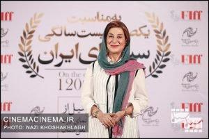 فاطمه معتمدآریا، بازیگر در فرش قرمز آیین تجلیل از افتخارآفرینان سینمای ایران در عرصه بینالملل