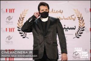 حسام نواب صفوی، بازیگر در فرش قرمز آیین تجلیل از افتخارآفرینان سینمای ایران در عرصه بینالملل