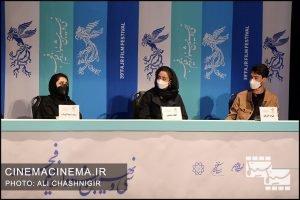 از راست هیراد آذرنگ، الهام شفیعی و سپیده عبدالوهاب در نشست خبری فیلم روزی روزگاری آبادان در سی و نهمین جشنواره فیلم فجر