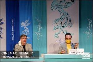 از راست محمدرضا مقدسیان و علی سرتیپی در نشست خبری فیلم ستاره بازی در سی و نهمین جشنواره فیلم فجر