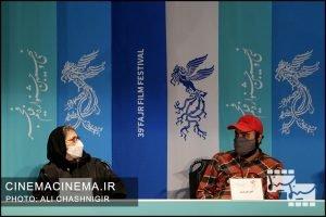 از راست امیر نوروزی و رویا افشار در نشست خبری فیلم مامان در سی و نهمین جشنواره فیلم فجر
