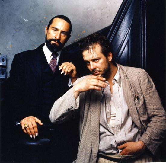 با رابرت دنیرو سر صحنه فیلم «قلب انجل» (آلن پارکر، 1987)